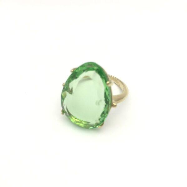 Sortija plata chapada en oro cristal verde