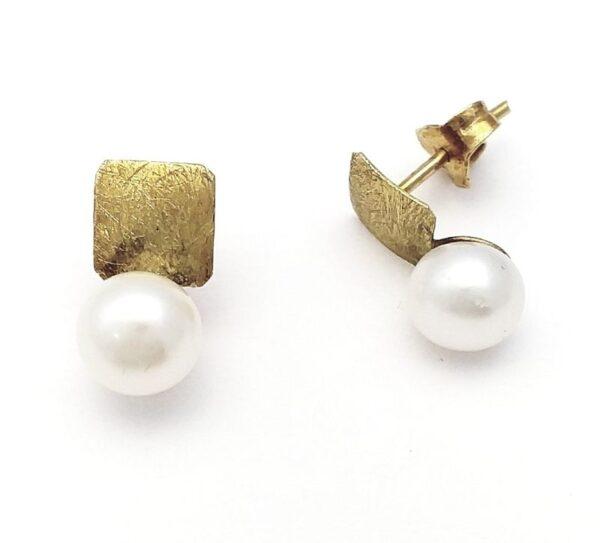 Pendientes oro de 18k cuadrado y perla